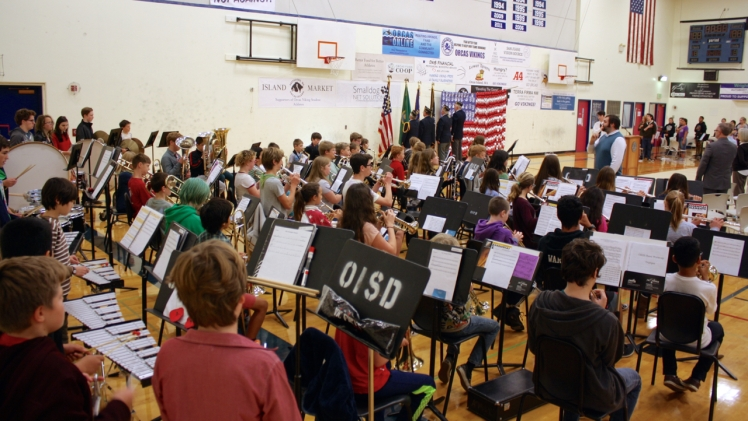 the-5-12-grade-band-plays-the-star-spangled-banner